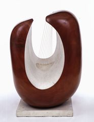 Barbara Hepworth, Curved Form (Delphi) 1955 - (c) The Estate of Dame Barbara Hepworth