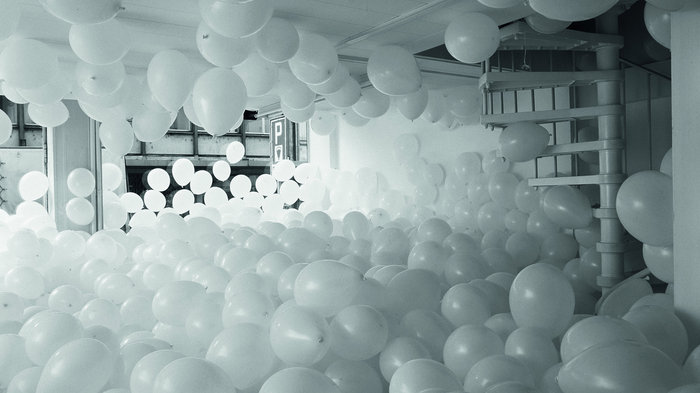 Martin Creed - Work No. 200 Half the air in a given space, 1998.