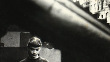 Saul Leiter - Daughter of Milton Abery, 1950er by Saul Leiter