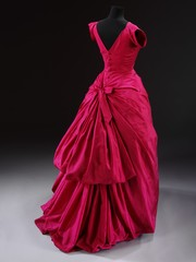 Balenciaga: Shaping Fashion - Silk taffeta evening dress, Cristobal Balenciaga, Paris 1954 (c)Victoria and Albert