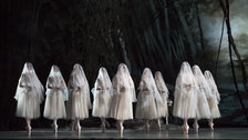 Giselle. Artists of The Royal Ballet as The Wilis - Giselle. Artists of The Royal Ballet as The Wilis
