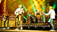 Status Quo: The Last Night Of The Electrics Tour - Status Quo Photo, photo by Danny Clifford