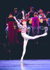 Kenneth MacMillan: A National Celebration - Elite Syncopations. Sarah Lamb. ©ROH 2010. Photo Johan Persson.
