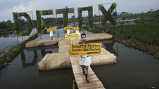 Fashioned From Nature - Greenpeace Detox Catwalk in Bandung © Greenpeace/ Hati Kecil Visuals
