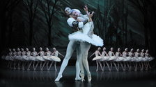 St Petersburg Ballet Theatre: Swan Lake - Irina Kolesnikova, Lac des Cygnes