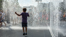 Jeppe Hein: Appearing Rooms