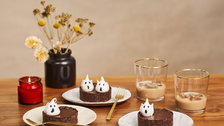 Lily Vanilli: Chocolate Tarts with Meringue Ghosts