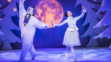 The Snowman - Birmingham Repertory Theatre, The Snowman, photo: Tristram Kenton