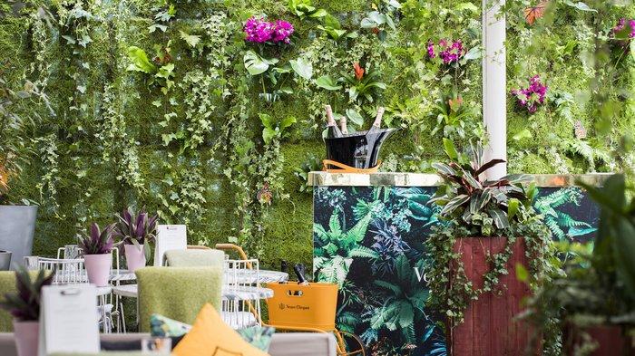 Courtyard Garden: Sanderson Hotel