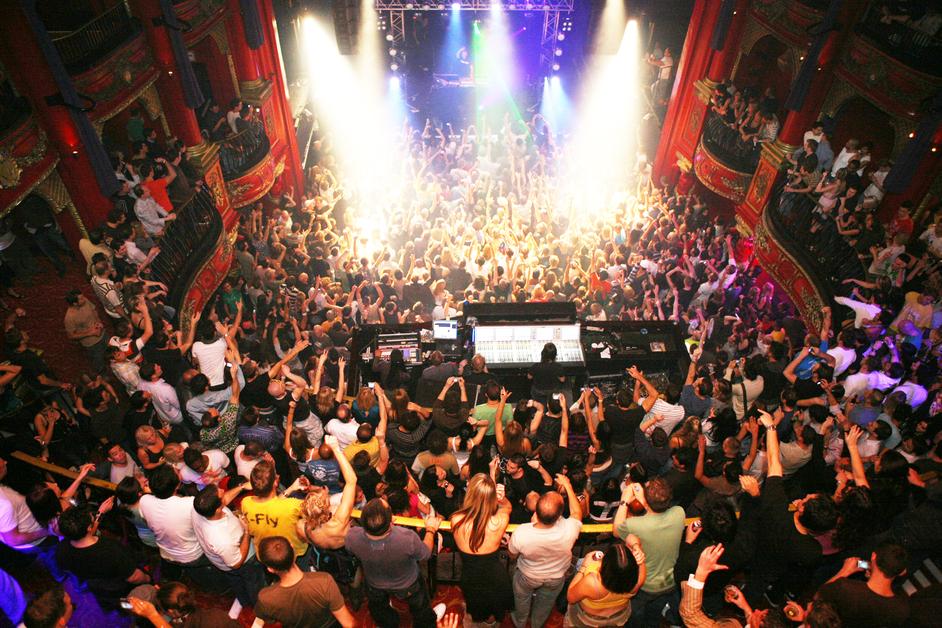 London raw pound party